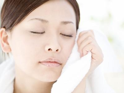 精油好物推荐   肌肤干燥起皮?夏日补水工作很重要