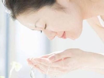 精油小课堂 | 混油皮如何做好日常护肤?