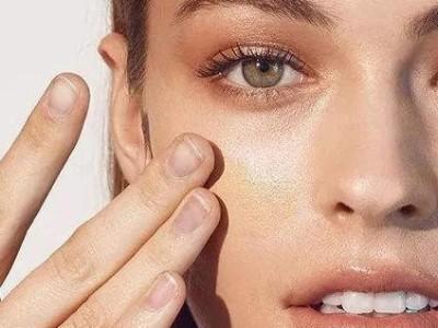 精油小课堂 | 皮肤干燥起皮,如何及时补水?