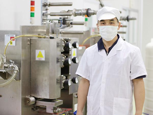 芳香世家-全自动灌装封膜机负责人员