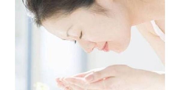 护肤小课堂 | 冬季洗脸,热水or冷水?